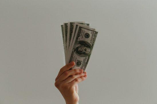dinero estimulo EEUU unsplash