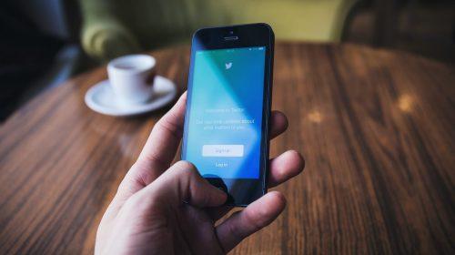 tweet-unsplash