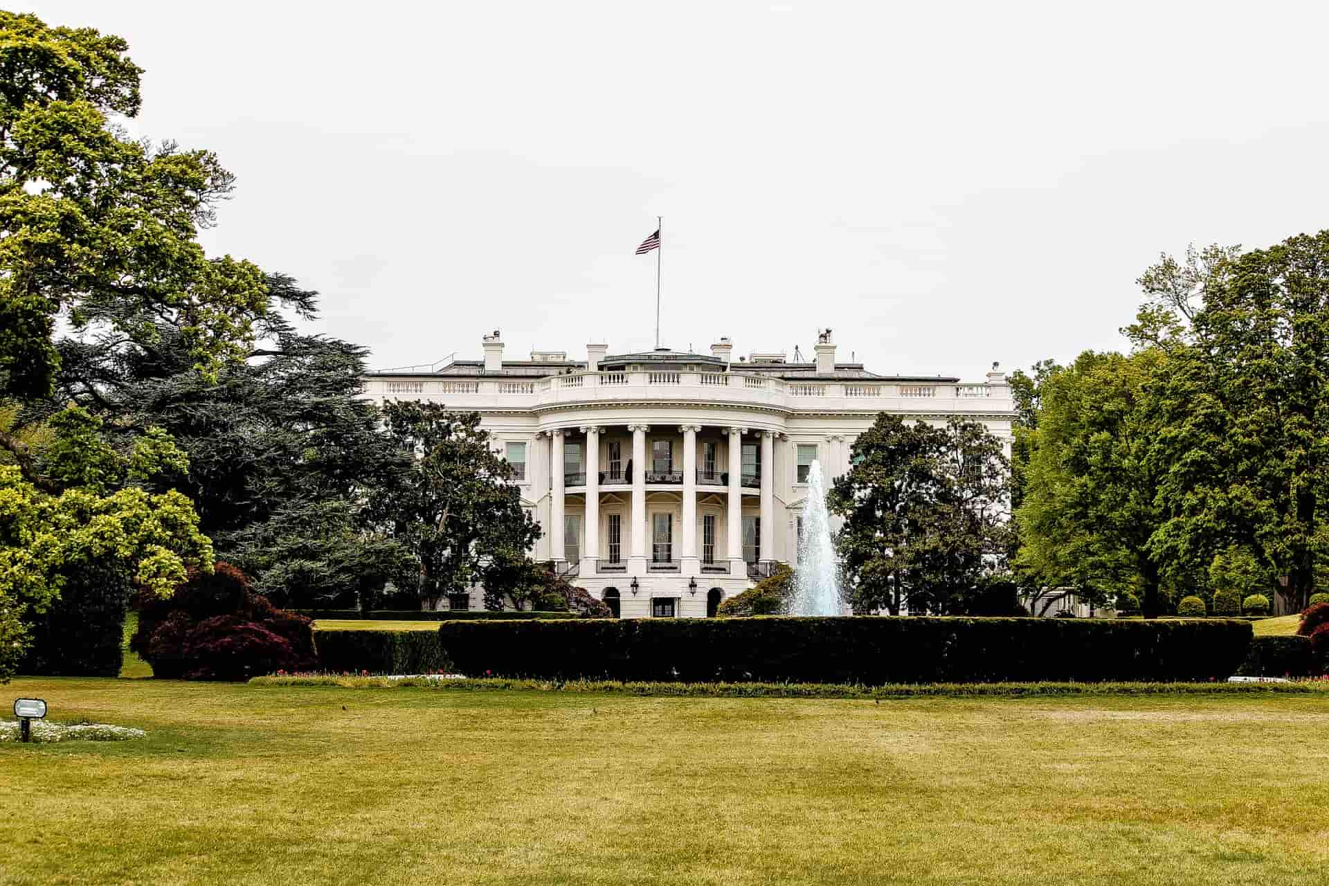 white-house-unsplash