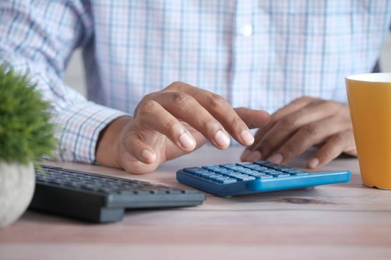 calculadora EOS irregularidad Unsplash